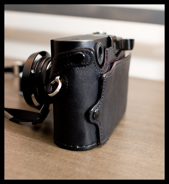 luigi, leather, halfcase, leica, m8, camera