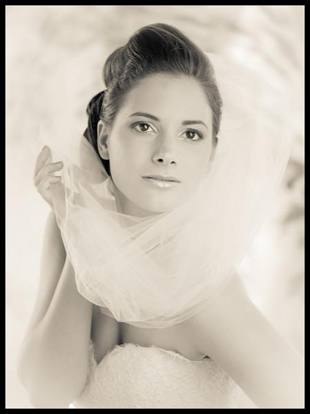leica voigtlander 75mm bride portrait